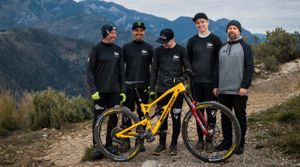 Chain Reaction Cycles About